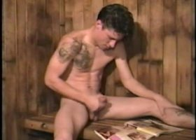 Jay Beats Off In Sauna