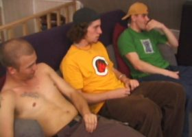 Amateur Blowjob Threesome