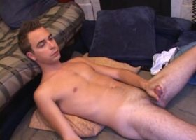 Str8 Vincenzo Stroking His Meat
