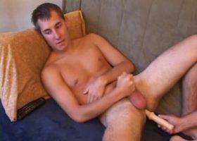 Kiefer Foxx Enjoys A Handjob