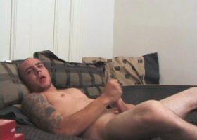 Amateur Bradley Shaw Jerking Off