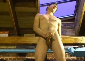 Amateur Threesome Suck and Stroke