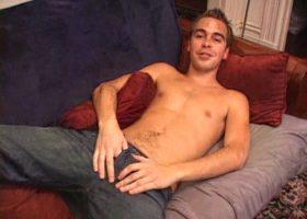 Cute Vincenzo Jerks Off